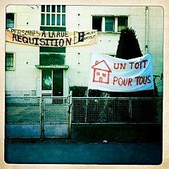Lyon (3e) : malgré le grand froid, le Grand Lyon et les flics évacuent un squat familial (Photo : danactu résistance)